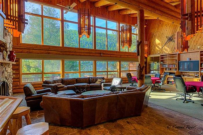 Great-Log-Cabins-Today